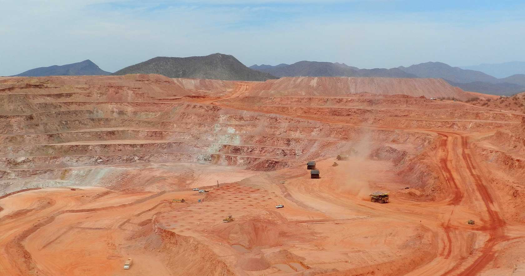 Hexagon Mining's Leica Jigsaw system helps Cobre del Mayo mine
